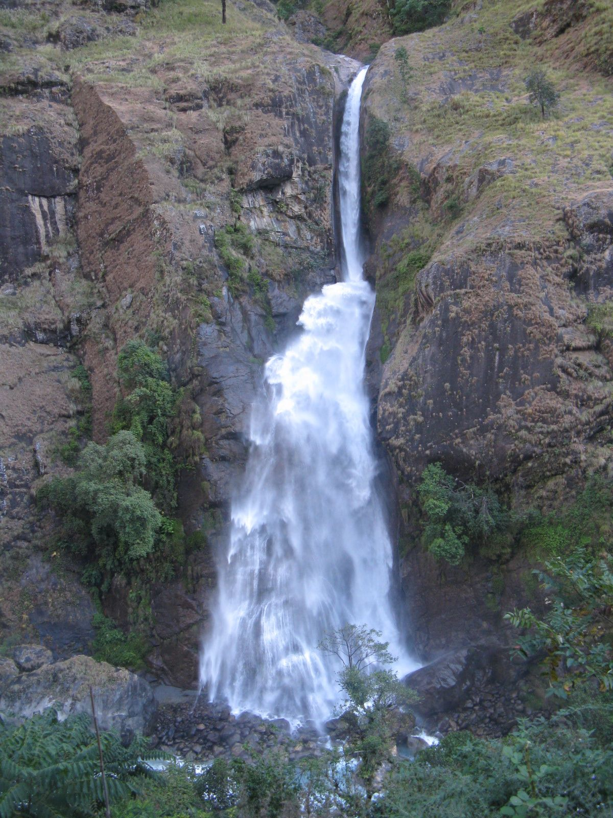 Great Water Fall View In Annapurna Round (circuit