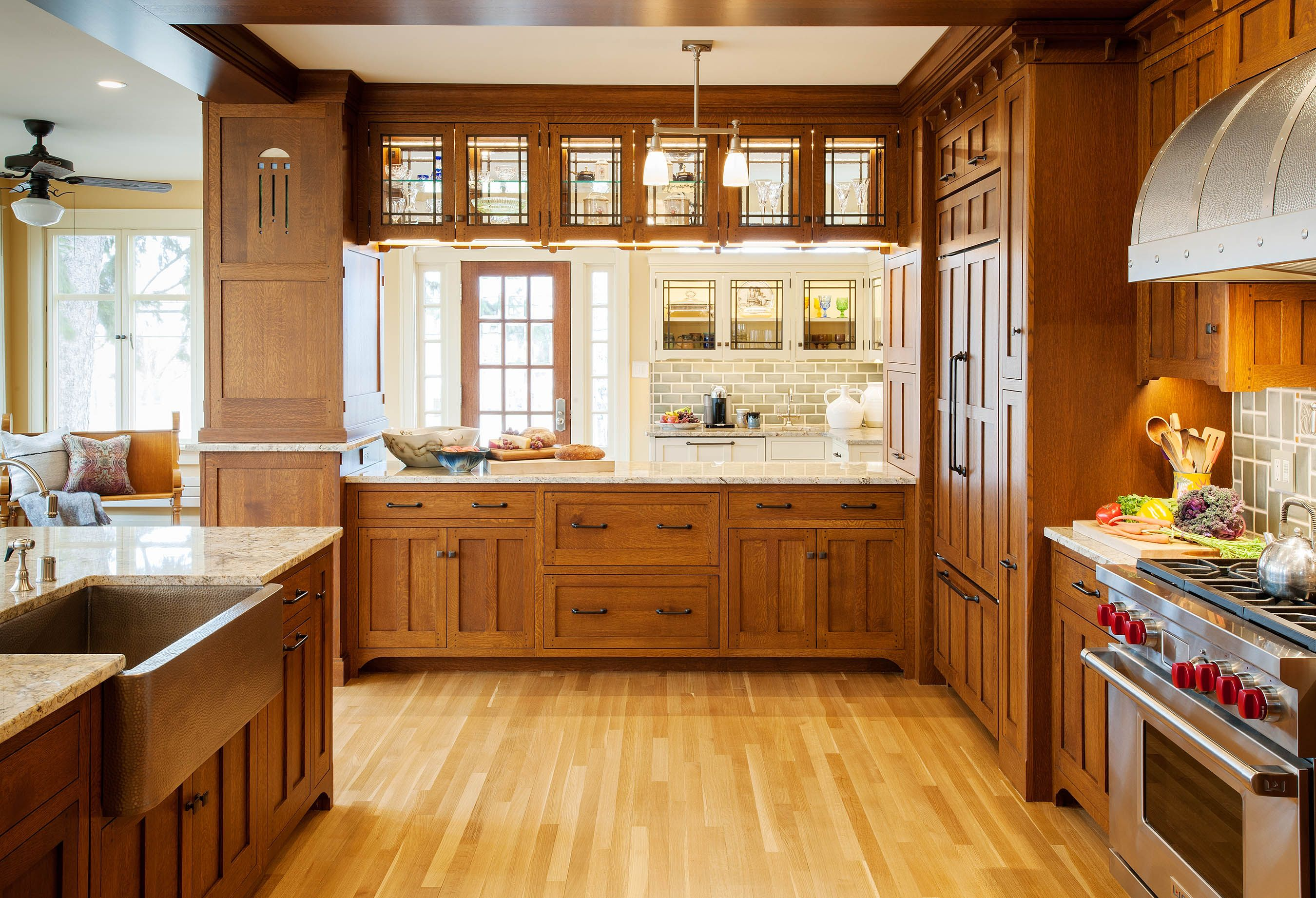 Pin By Jane Helstrom On Arts Crafts Craftsman Style Kitchens Craftsman Style Homes Craftsman Style Kitchen