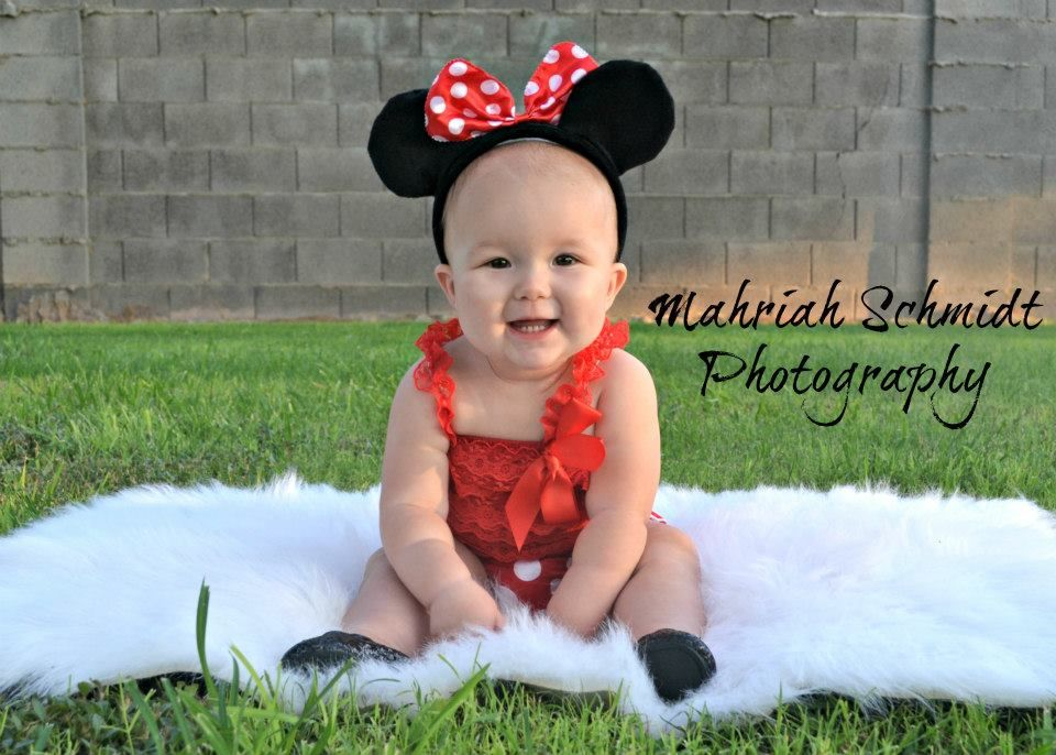 Minnie Mouse-themed photography  Disney-themed Photgraphy