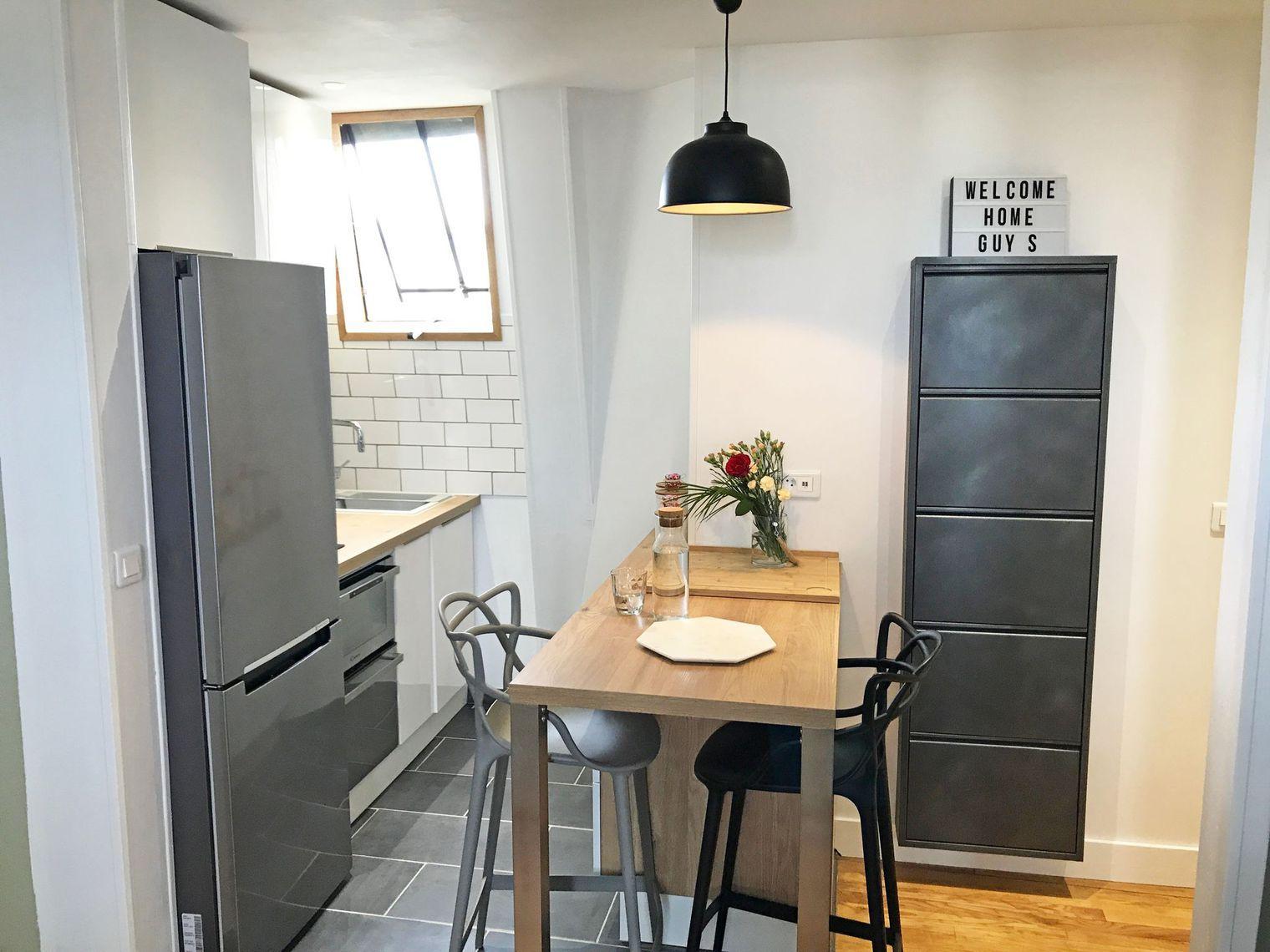 Avant apr s petite cuisine de 2 m2 r nov e cuisine de - Petite table de cuisine ...