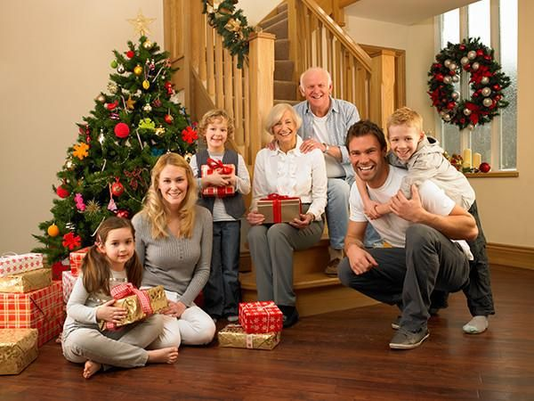 Home for the holidays tips for taking great group photos photography phototips https christmas family