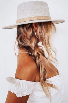 Warm Reddish Bronde Hair  Bronde hair can be extremely versatile. Th...,  Warm Reddish Bronde Hair  Bronde hair can be extremely versatile. Th...,