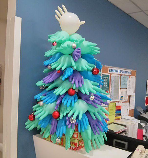 XX-Of-The-Most-Creative-Christmas-Trees-Ever41__605
