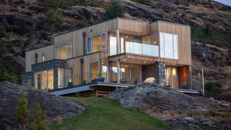 Modern mountain home in New Zealand