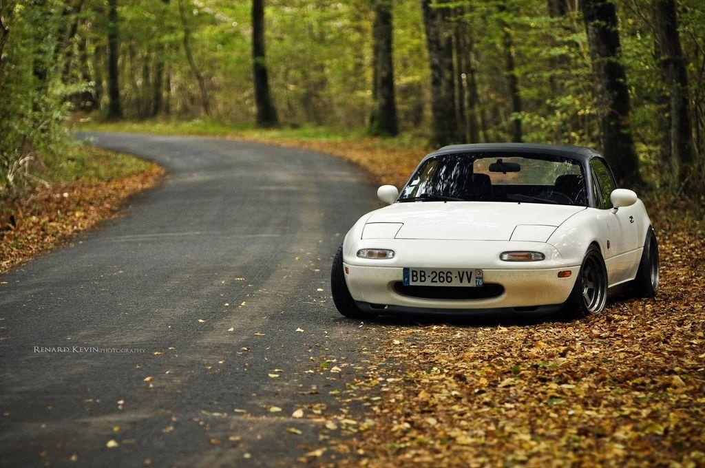 White Mazda NA Miata MX-5. A true classic.