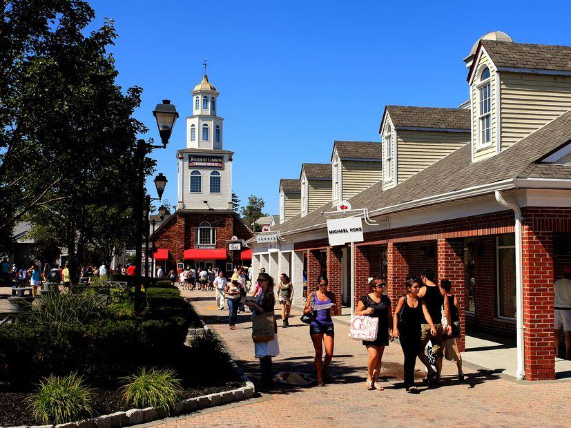 Woodbury Common shopping New York