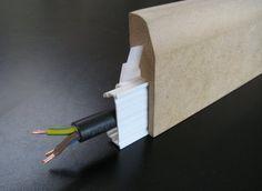 Plinthe Cache Goulotte Clipsable Placage Chene 20 Mmx70mm 2 20m Mouluresdunord Plinthe Electrique Plinthes Goulotte