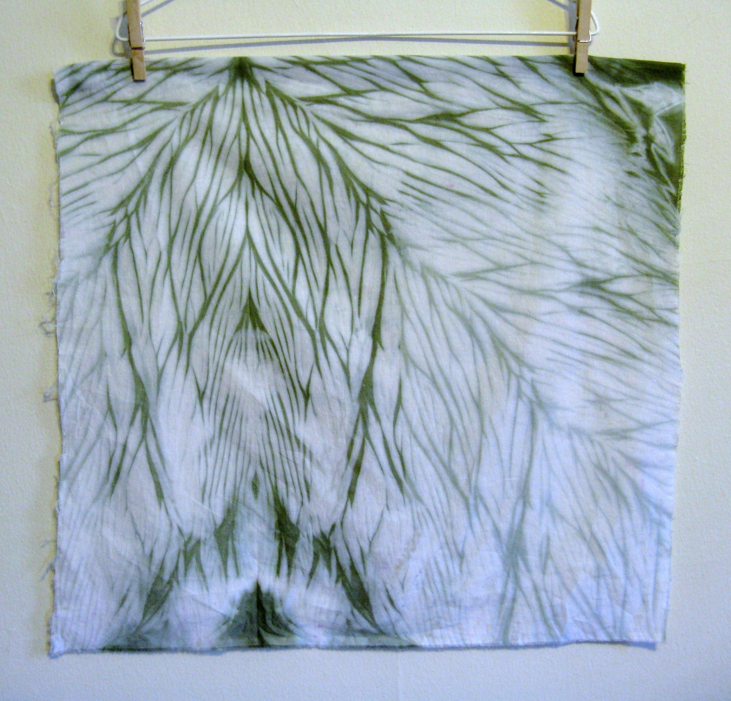 Shibori arashi 2 knudsen blog 2011 shibori pinterest shibori blog and fabric dye - Technique tie and dye ...