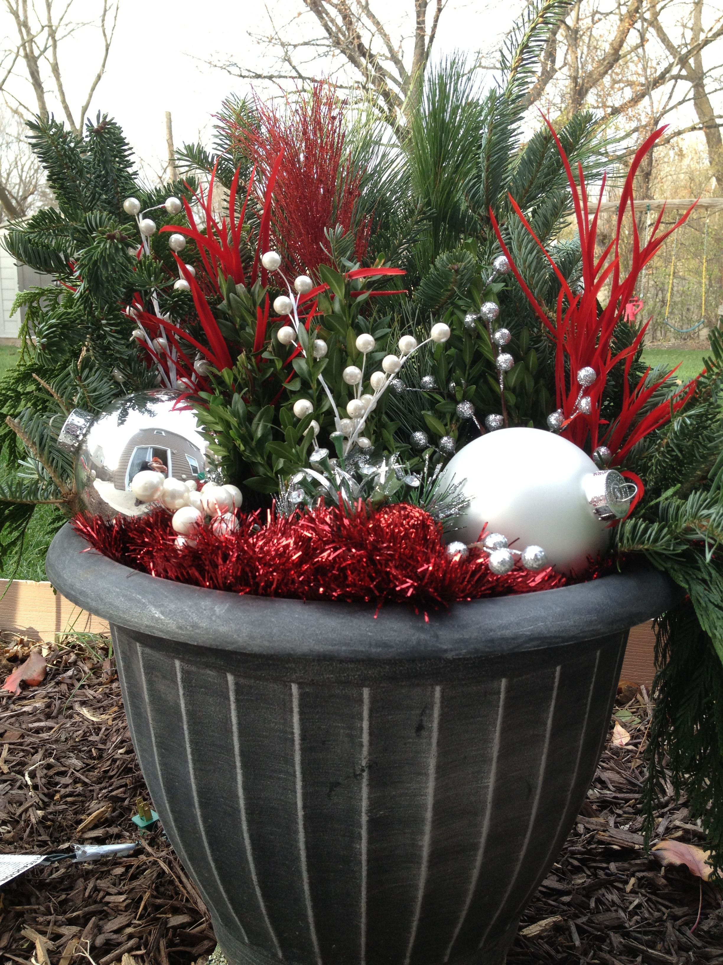Holiday decor outdoor diy decor pinterest holidays holiday