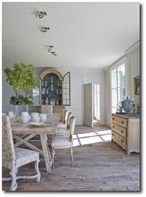 Isabel Lopez Quesada, French Provence Decorating Ideas from House & Garden Magazine
