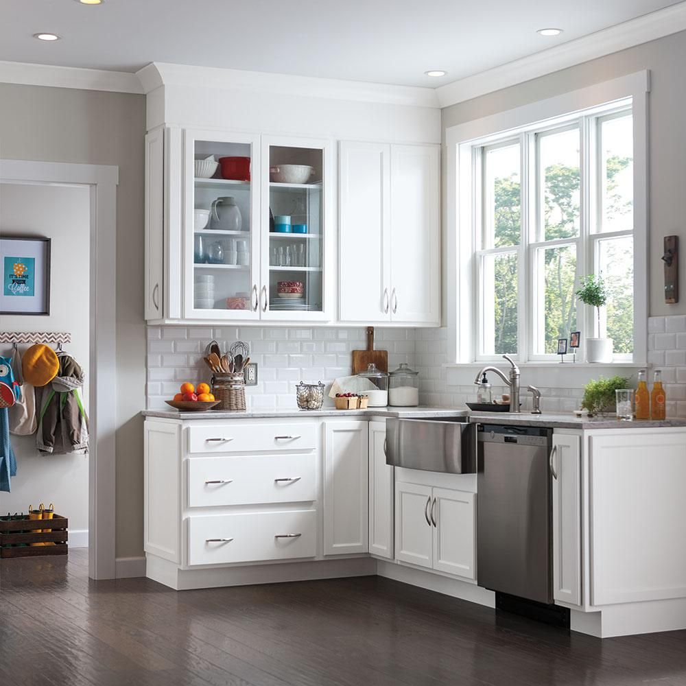 Thomasville Studio 1904 Custom Kitchen Cabinets Shown In Transitional Style Hdinsttsaa The Home Dep Custom Kitchen Cabinets Thomasville Cabinetry Thomasville