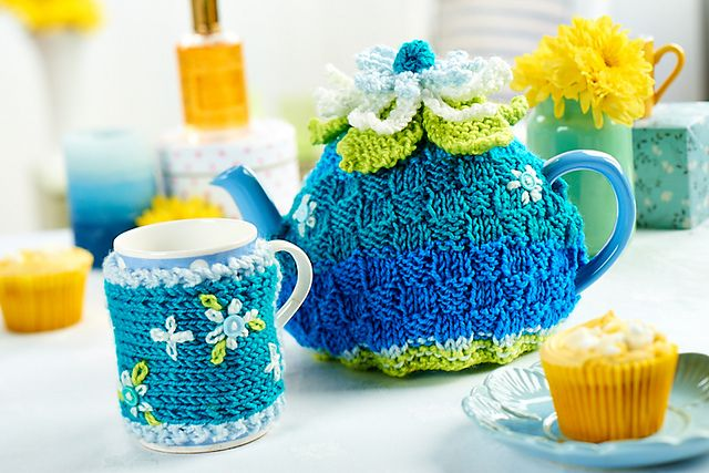 FREE PATTERN! Tea cosy & mug cosy set | Tea So Cosy | Pinterest ...