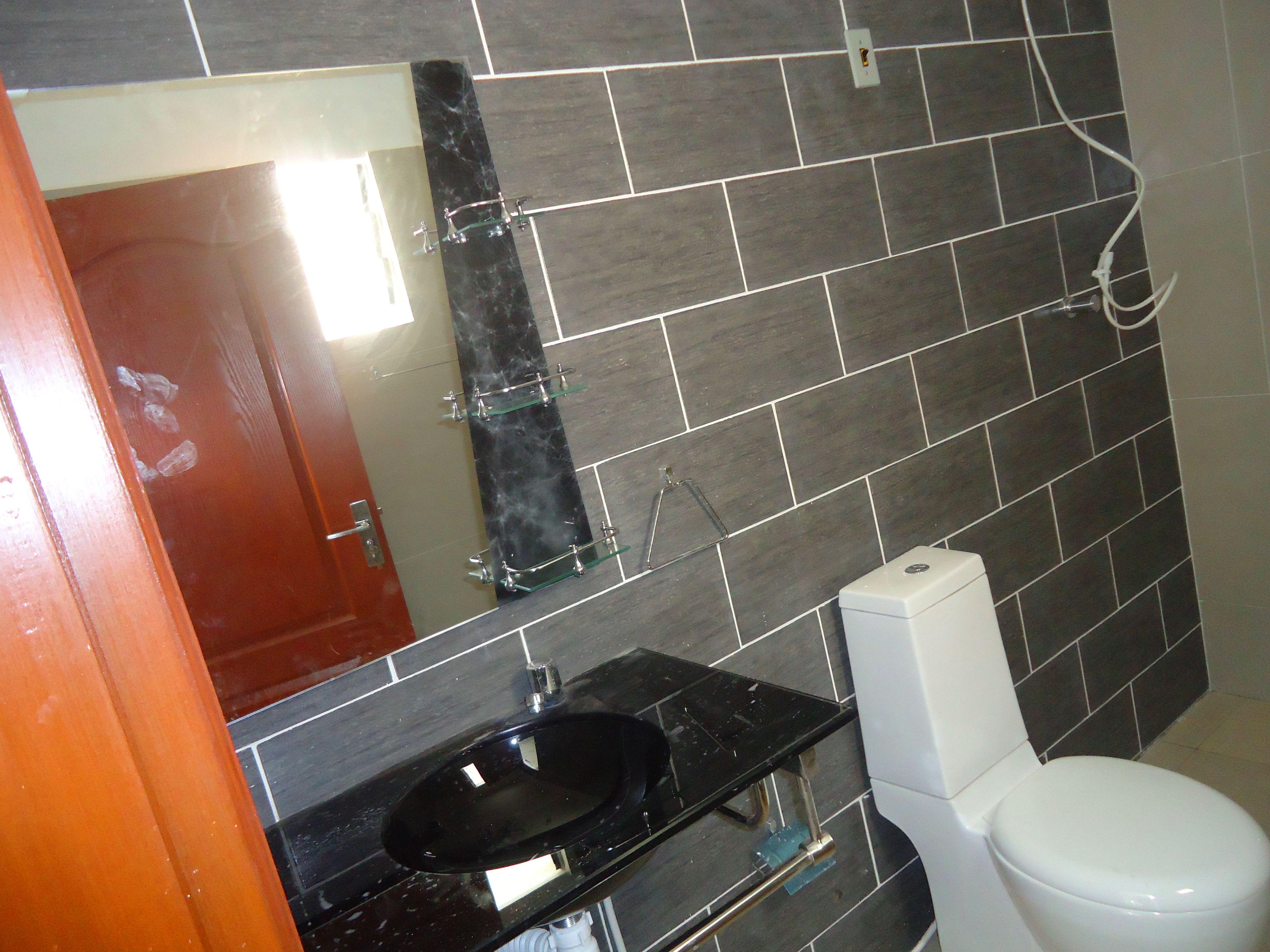 DISPONIBLE:MODELO MINIMALISTA- Disponible, cuenta con 3 dormitorios con roperos empotrados, cocina amoblada, piso en porcelanto etc...(Documentación en orden) UBICACIÓN:Zona norte 8vo y 9no anillo AV Beni. PRECIOS: Desde 75,000$us (Se acepta financiamiento bancario con el 20%) MAYOR INFORMACIÓN:78453002-78527702-75008834(Atendemos fines de semana programe su visita ya mismo)