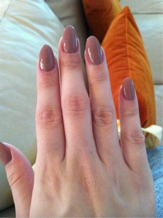Short round nails. Cute