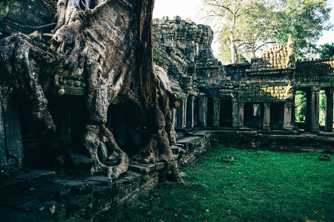 the-temples-of-angkor 01