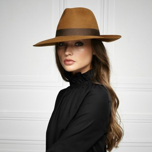 Pin By Mabel Lucette Santos Gomes On Headwear Women Hats Fashion Outfits With Hats Hat Fashion