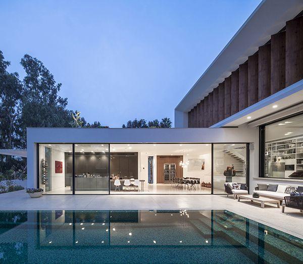 Modern L Shape Mediterranean Villa In Israel House Tv Modern Architecture House Architecture Architecture House