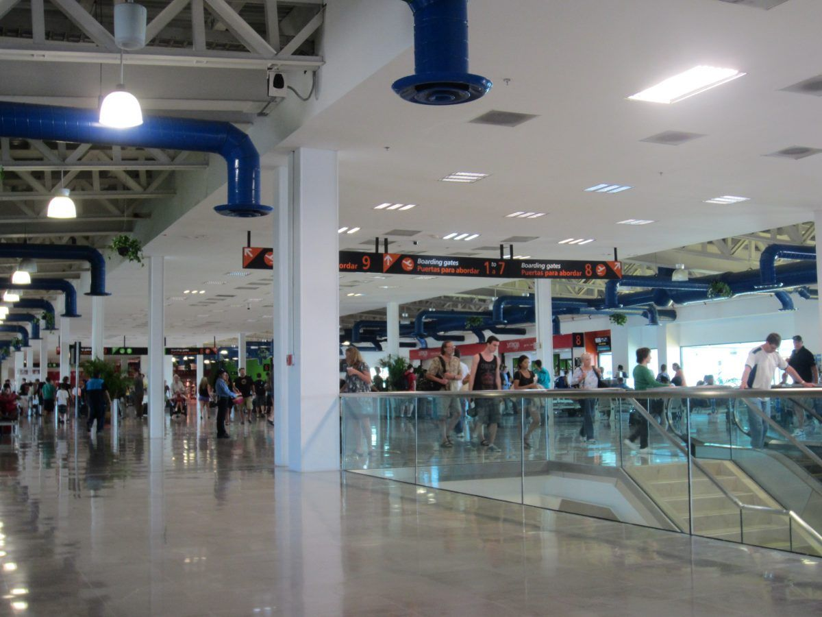 Licenciado Gustavo Diaz Ordaz Airport Duty Free Pvr S Shopping Dining Guide Free Shopping Luxury Shopping