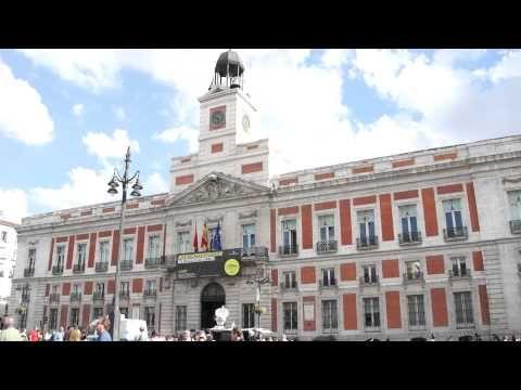 Edificio Y Reloj De Puerta Del Sol Madrid Posiblemente