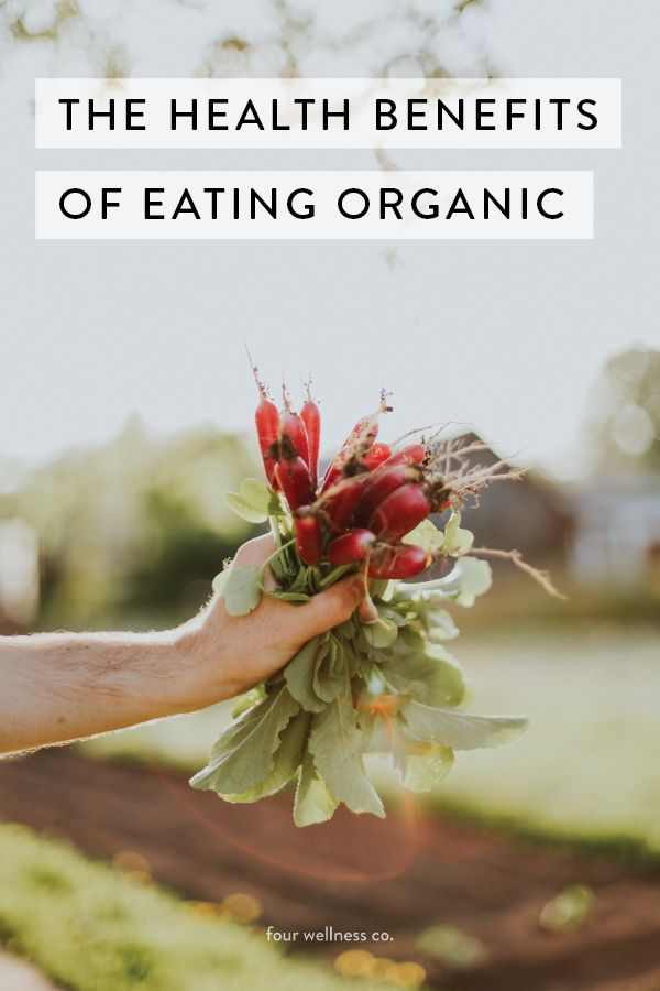 The health benefits of eating organic // Wellness tips from a health coach. #organic #healthyeating #cleaneating