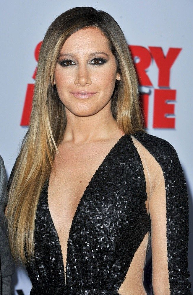 Ashley at scary movie 5 premiere ashley tisdale in 2019 - Scary movie 5 wallpaper ...