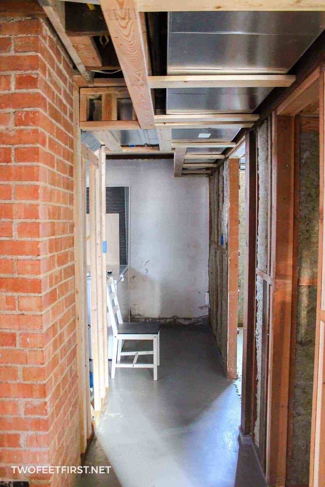 insulating and framing a basement escrit rio em casa pinterest rh pinterest com Basement Wall Framing Tips Basement Wall Framing Tips