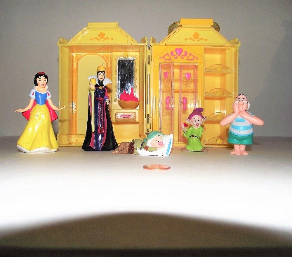 Disney Princess Petite Mini Princesses Castle Playset