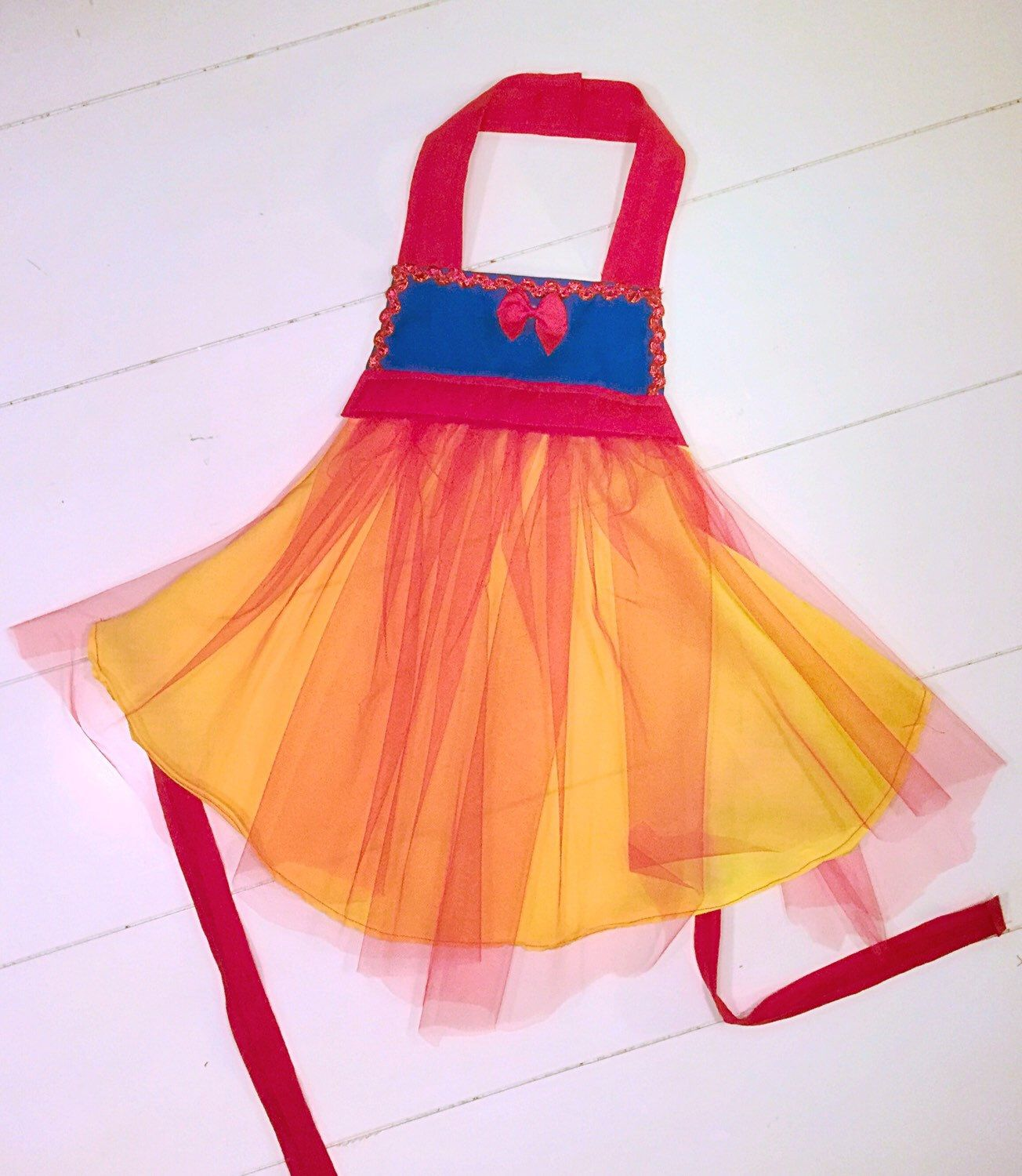 Snow white apron etsy - Snow White Inspired Apron Dress Up Costume By Chaoticcutieco On Etsy Https Www