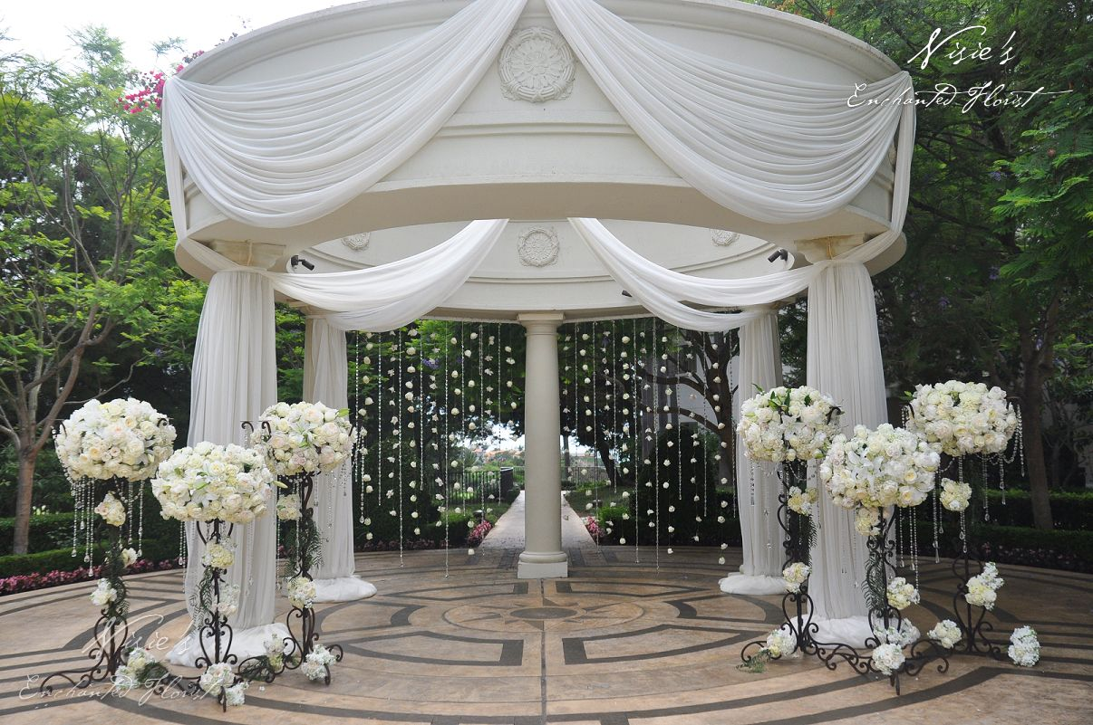 Nisie's Enchanted Florist, wedding ceremony, all white, hanging crystals, st regis monarch beach wedding, intimate setting