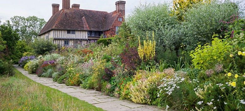 The New English Garden By Tim Richardson And Andrew Lawson With