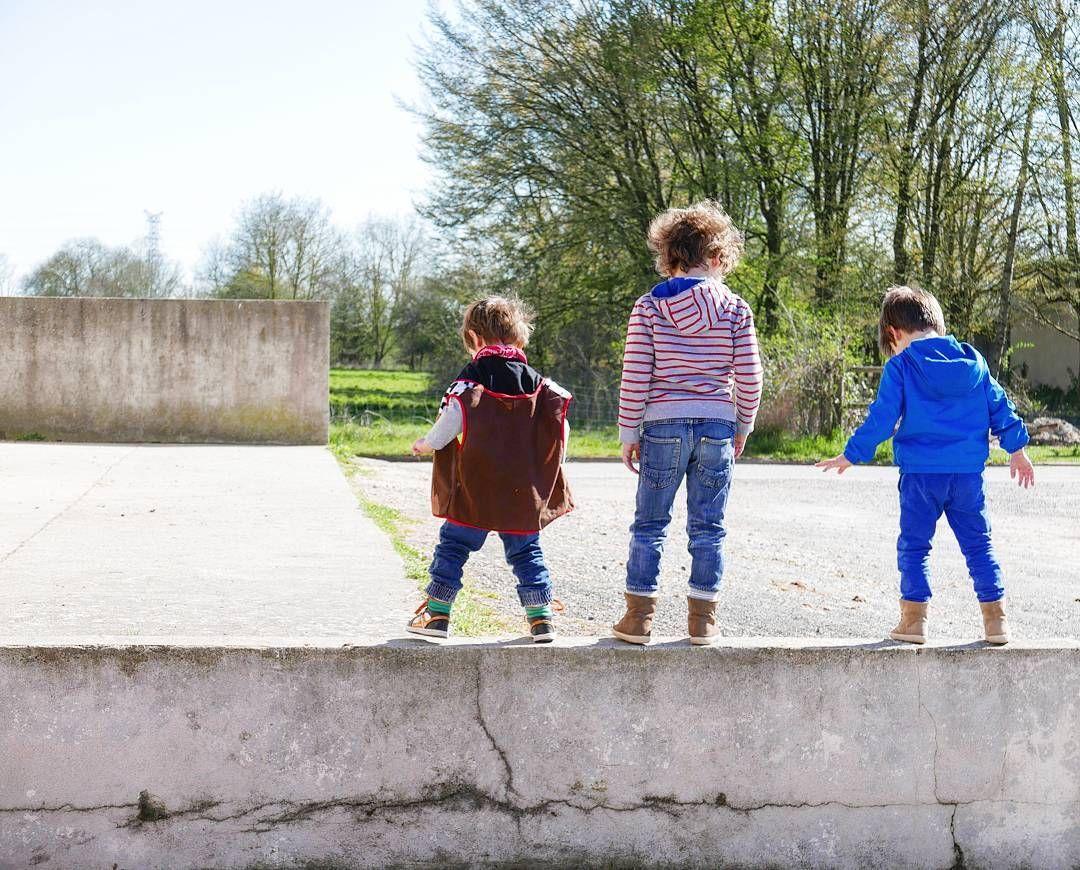 Zozomum On Instagram Les Mousquetaires Il Devrait Obligatoirement Faire Beau Les Jours De Vacances Brothers Famille Instakid Couple Photos Photo Scenes