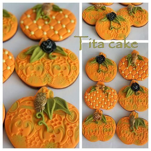 great looking halloween decorated pumpkin cookies - Decorating Halloween Cookies