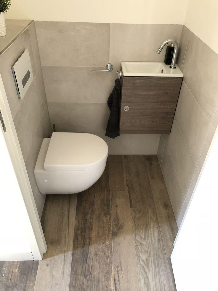 Toilettenfliesen in 2020 Kleine badezimmer design