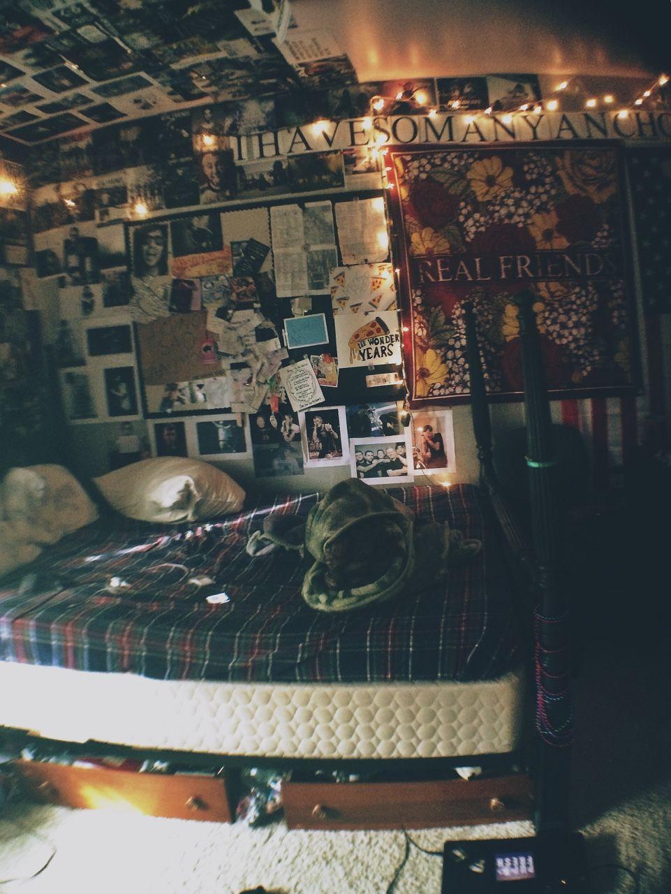 Brookie S Bedroom Punk Room Grunge Room Aesthetic Room Decor