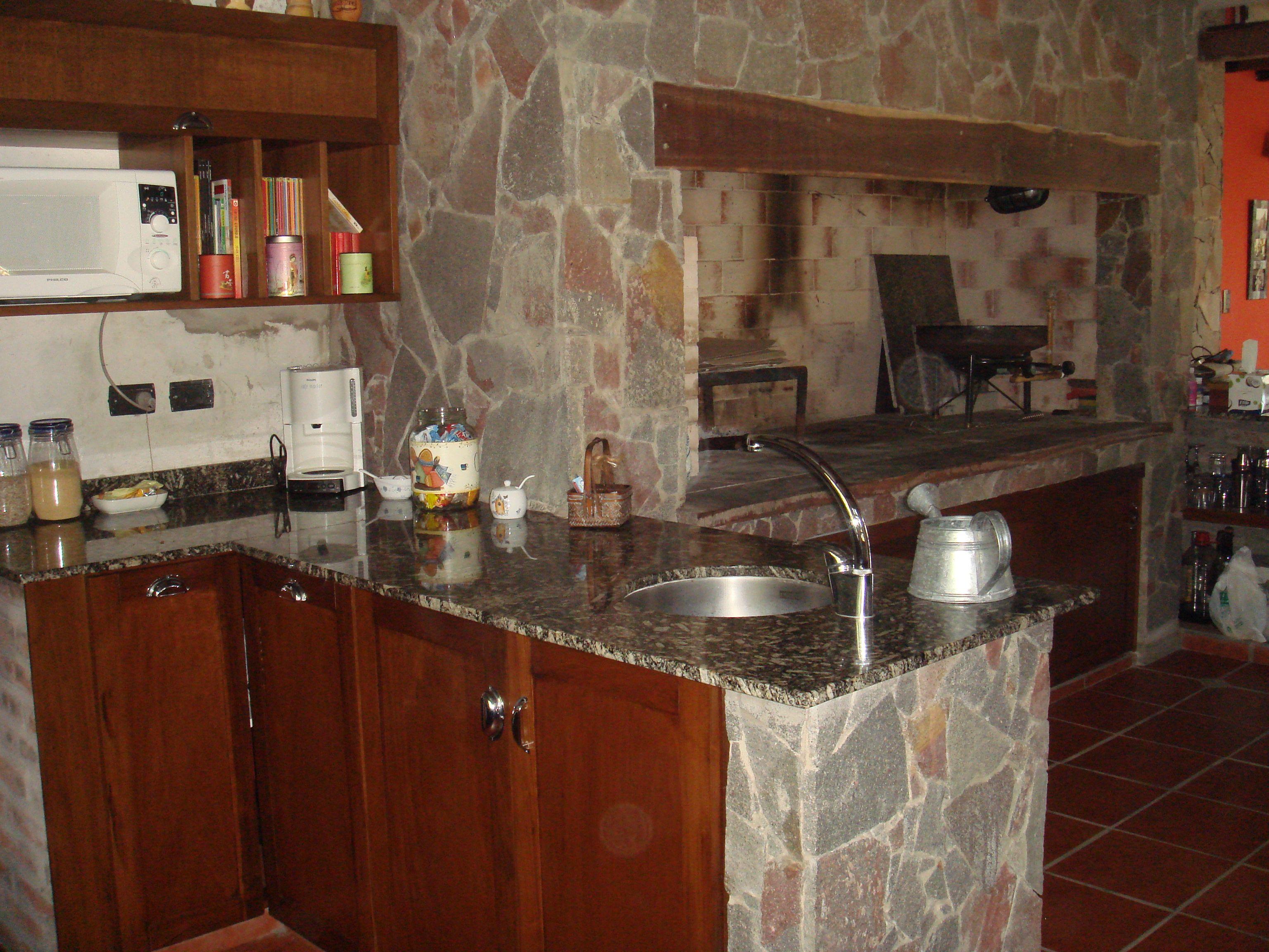 Cocina de campo con parrilla cocinas de campo for Cocinas de campo
