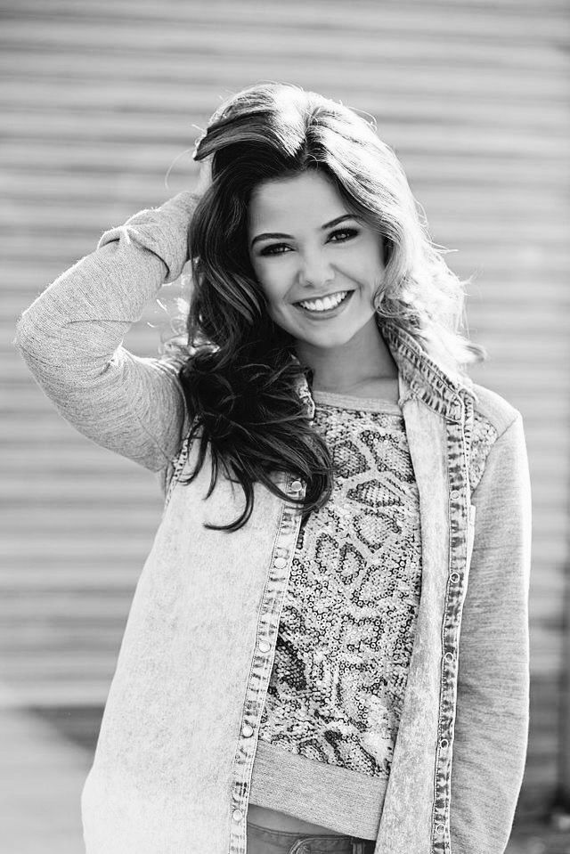 (( FC: Danielle Campbell )) Sweet fifteen year old Princess Davina is the youngest of her siblings but well-known and loved throughout Illéa. She has the ability to control plants and uses her gift and bright smile to bring life about the palace. She is loved dearly by her family and she loves them in return. She's the only child allowed outside the palace seeing as she is not the heir so isn't in any real danger and has full control of her flourishing powers. She spends her time helping…