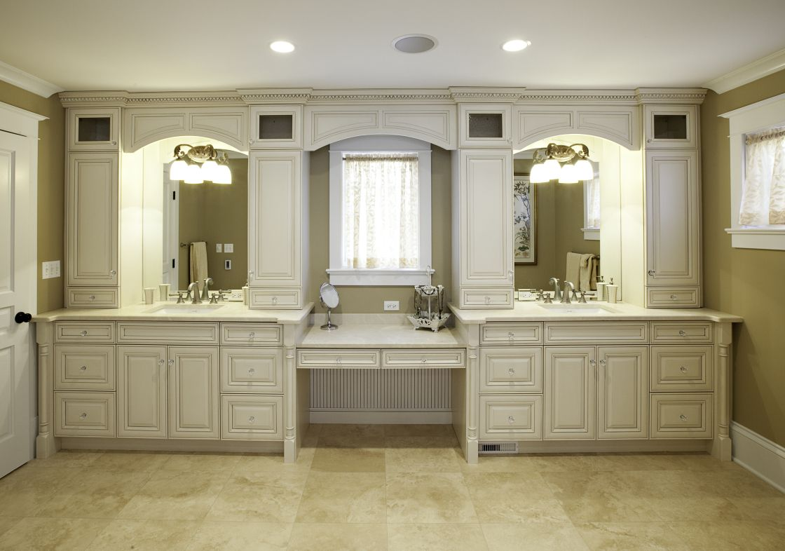 Stunning Design Of Large White Glaze Maple Bathroom Cabinets With Double Sinks And Makeup Ar Bathroom With Makeup Vanity Custom Bathroom Custom Bathroom Vanity