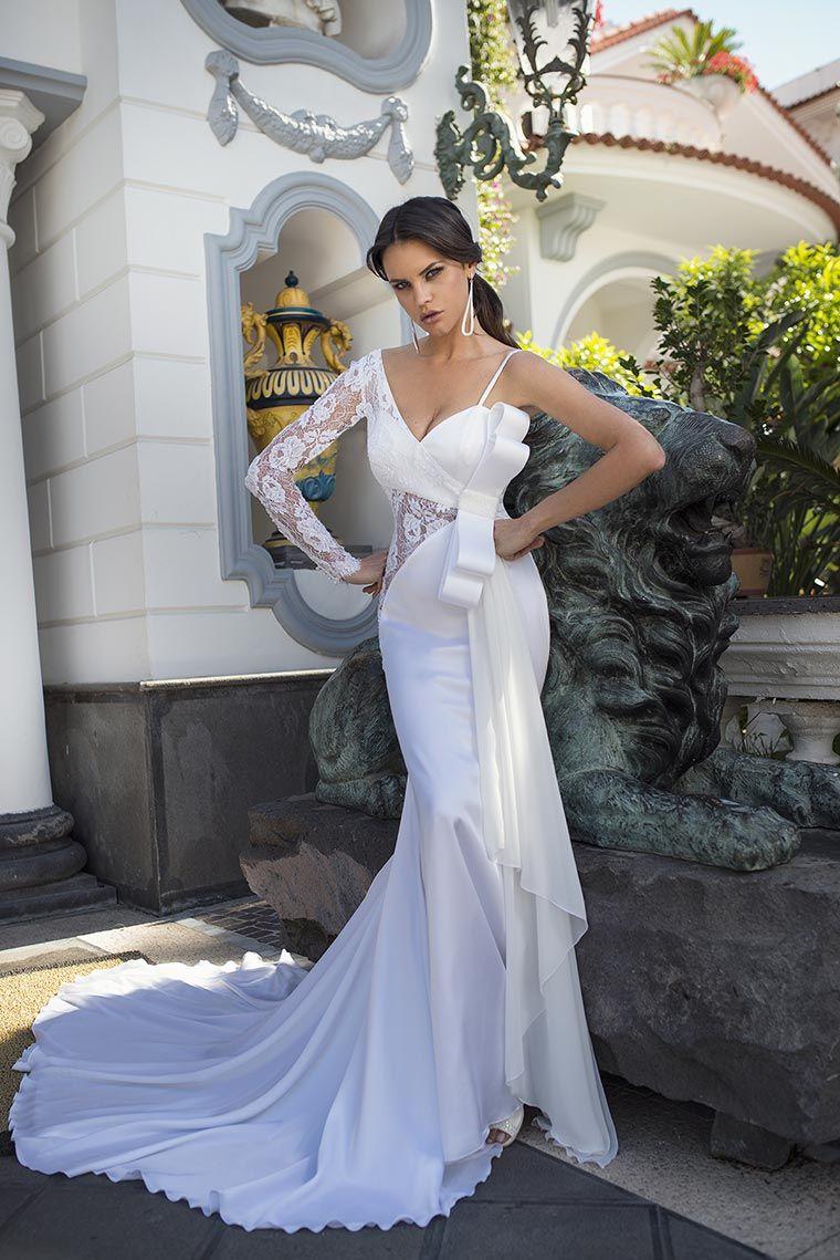 Glamour e sexy l Abito da Sposa in stile sirena c971fd9635f