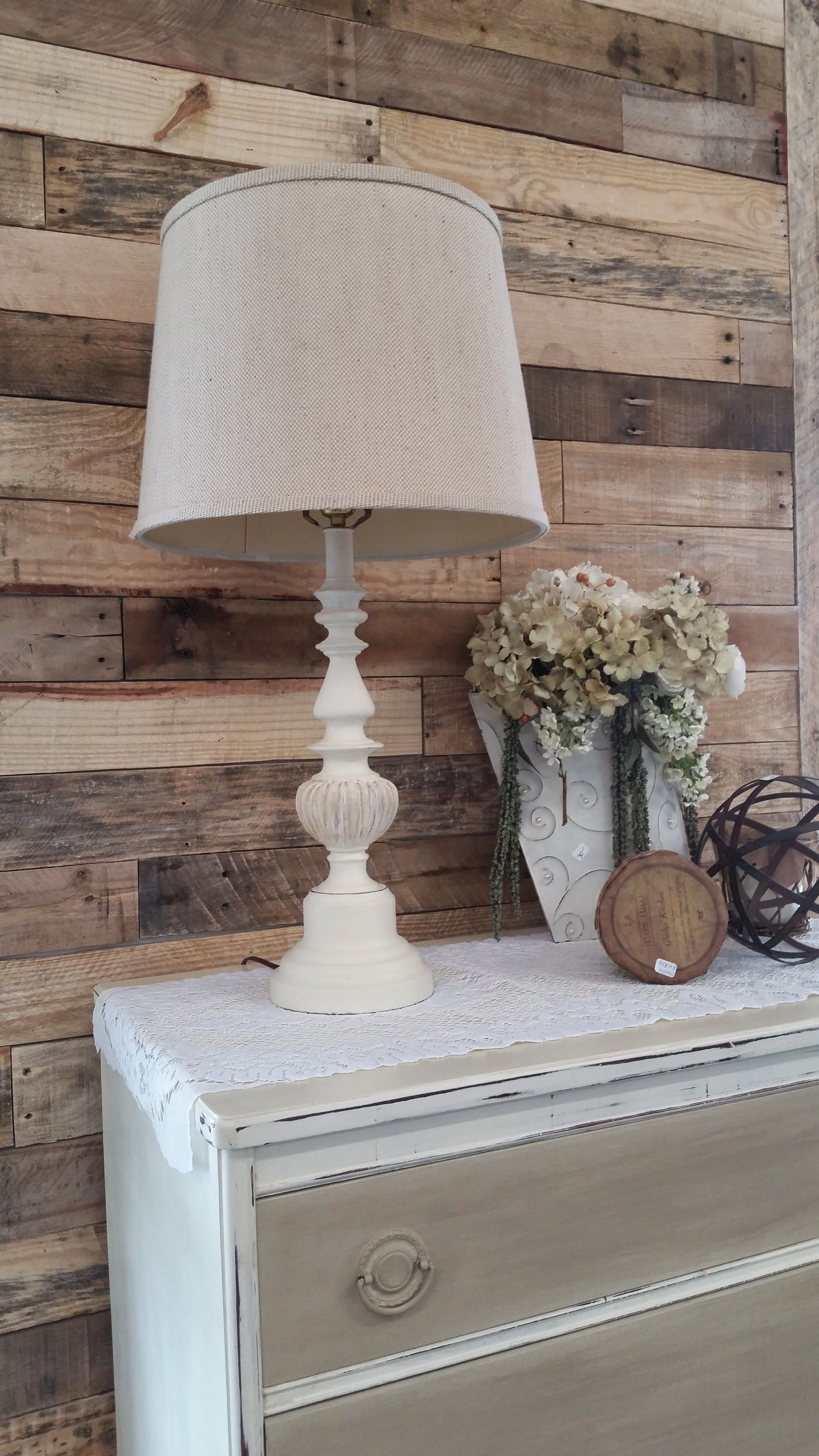 Painted Brass Lamp With Annie Sloan Chalk Paint Old White With Clear And Dark Wax Farmhouse Decor Brass Lamp Paint Brass