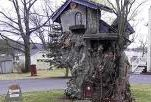 The Gnome Home. Avis, PA.