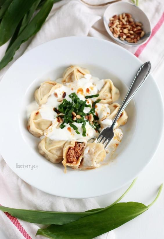 kulinarische entdeckungsreise kirgisische manti in joghurtsauce blogger rezepte pinterest. Black Bedroom Furniture Sets. Home Design Ideas