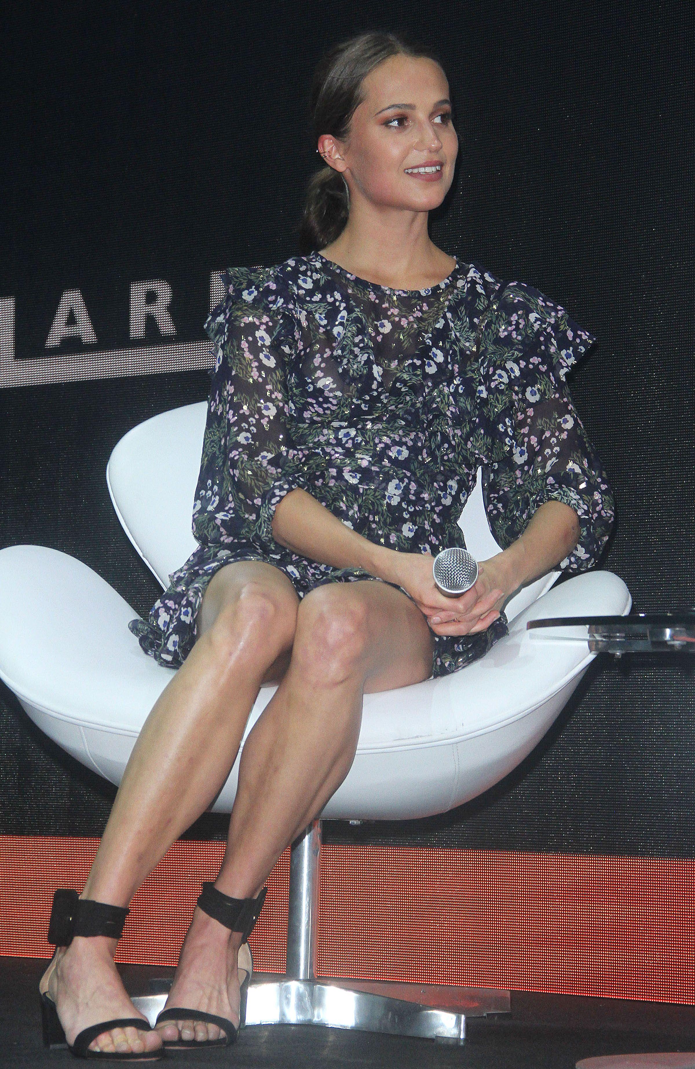 """Alicia Vikander at the """"Tomb Raider"""" Comic Com panel session in Sao"""