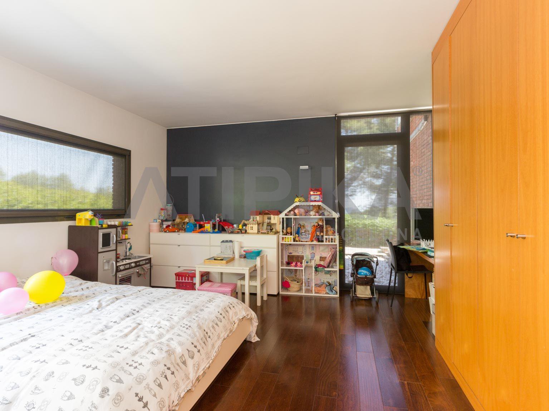 Espectacular Casa Independiente Con Piscina En Urbanizacion Fontpineda Casas Suelos De Parquet Y Habitacion Doble