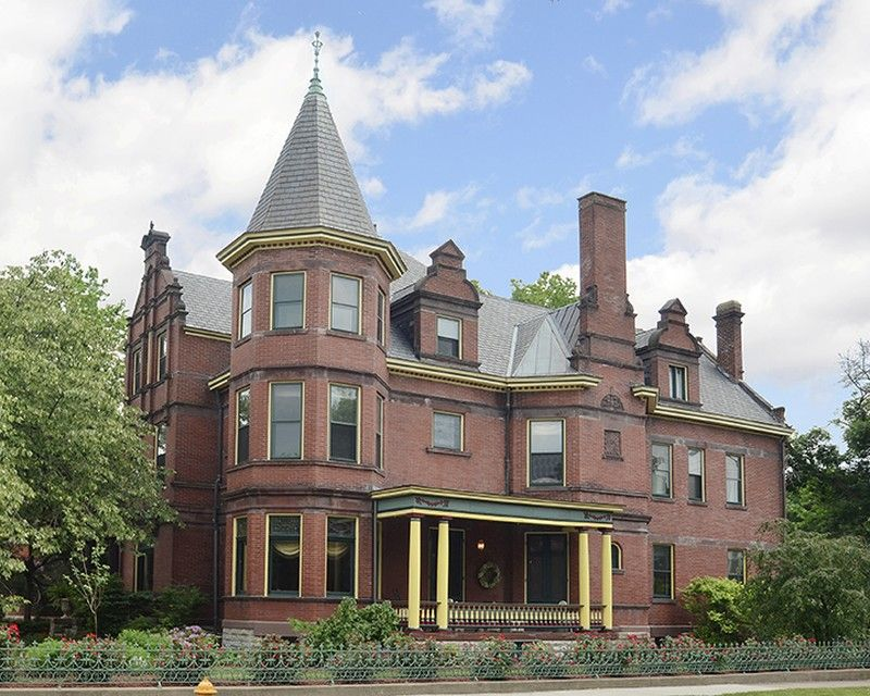 1892 Victorian Queen Anne The Bender Mansion In Hamilton Ohio Mansions Historic Homes For Sale Victorian Style Homes