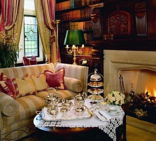 Decorating with stripes decoraci n decoraci n inglesa for Casa de campo de estilo ingles decoracion