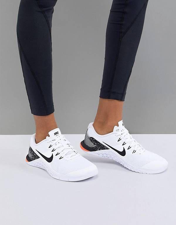 Weisse Nike Fitness & Training Schuhe online kaufen