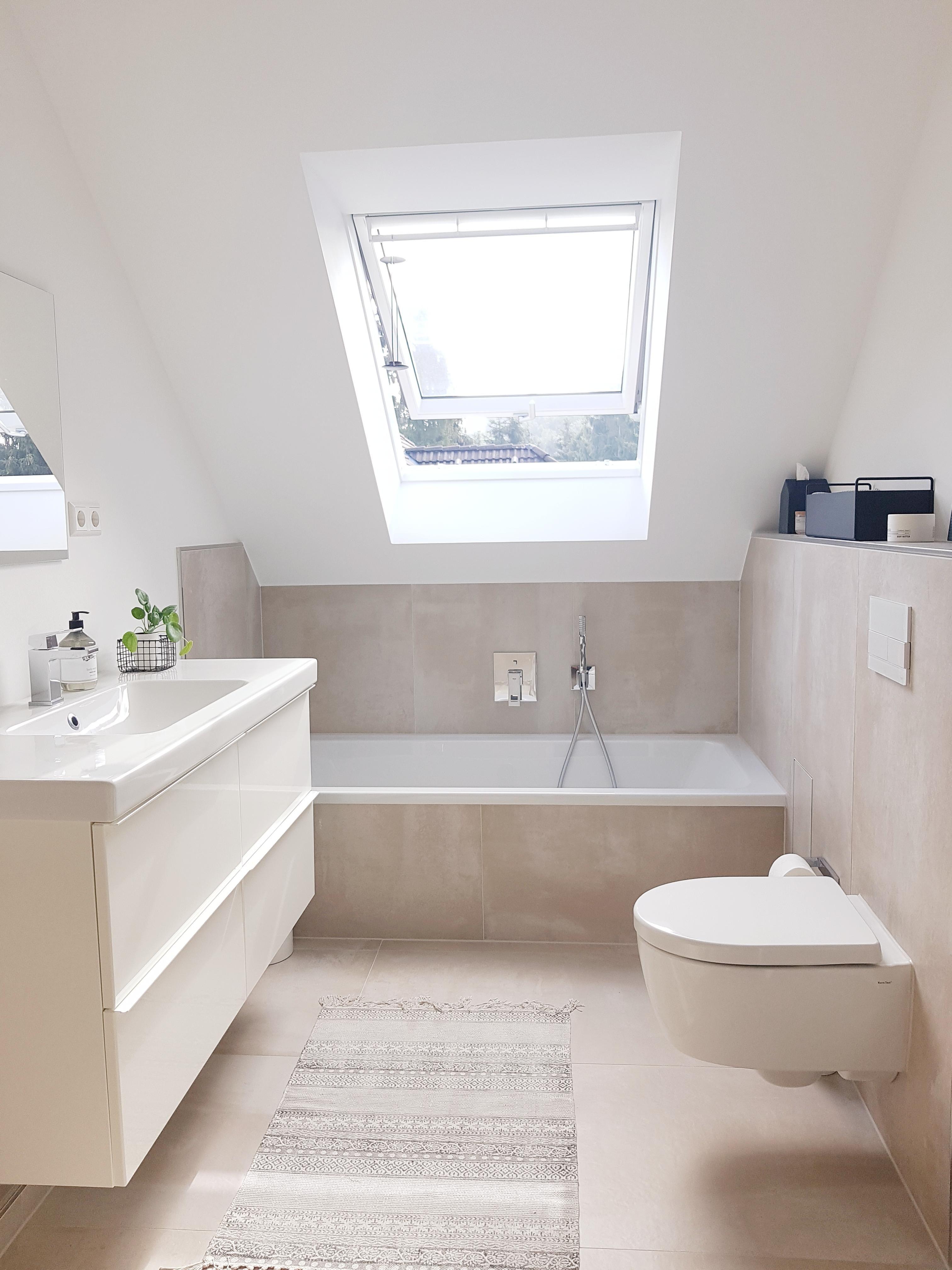 36+Unser renoviertes Badezimmer badezimmer bathroomde...