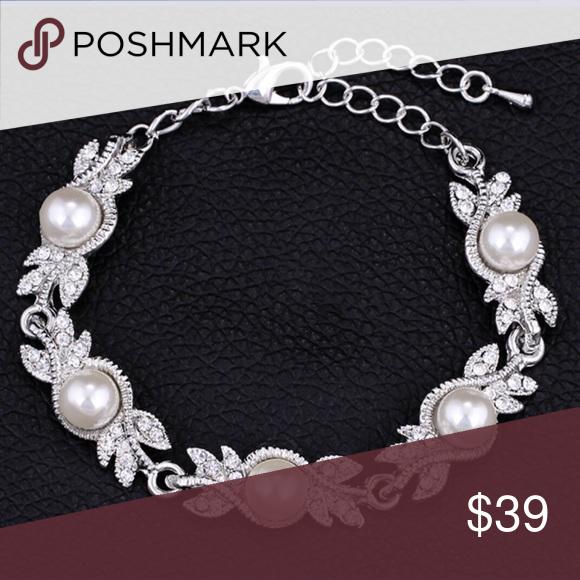 Classy Pearl bracelet Boutique