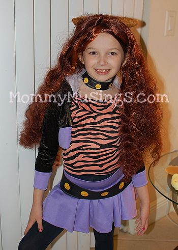Monster High Clawdeen Wolf Costume Review | Wolf costume, Monster ...