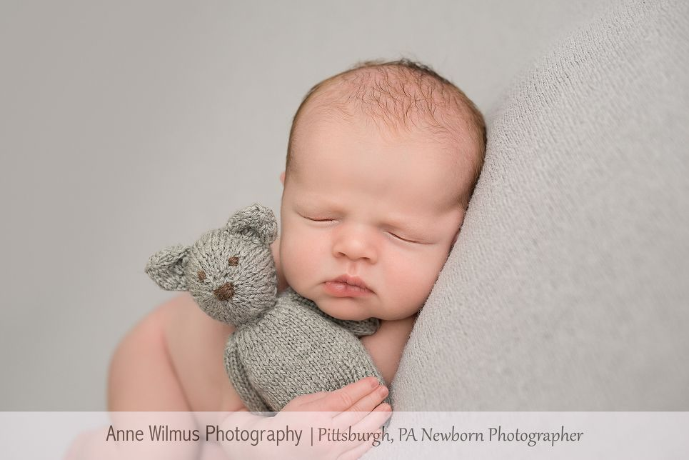 Considered one of the best newborn photographers in pittsburgh pa anne is sought after to photograph babies at their tiniest stage of life